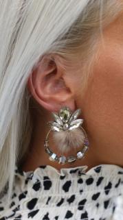 earring beige