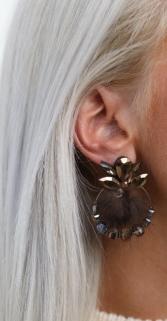 earring brown