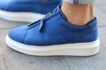 sneacker blue