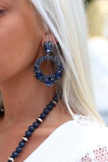 earings blue