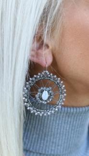earings grey