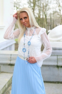 blouse white