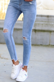 skinny light jeans