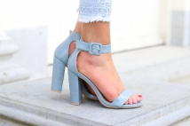heels light bllue