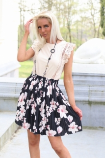 skirt black / flowers beige