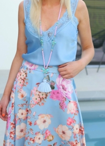 neckless blue lilla