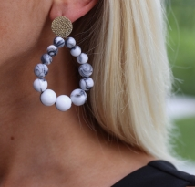 earings grey white