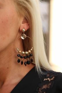 earings black gold