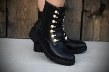 Boots Black peirle