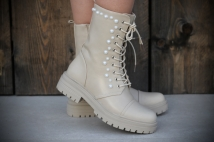 Boots Creme peirle