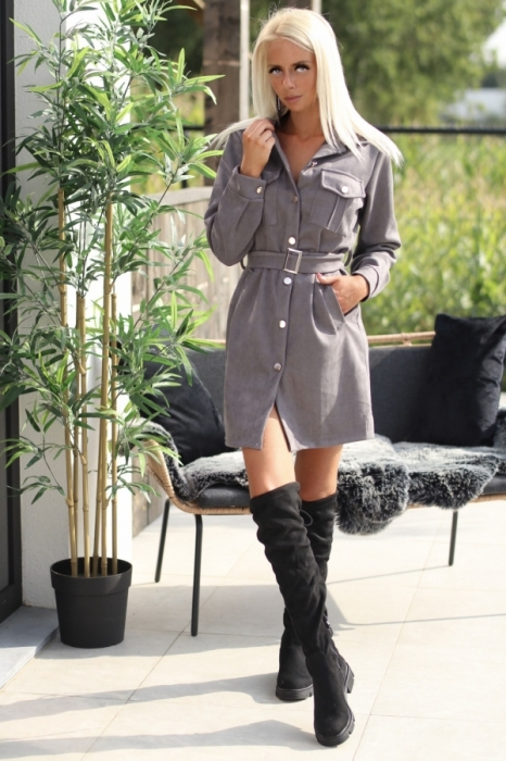 dress grey / den