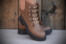 Boots taupe / neckless / strass