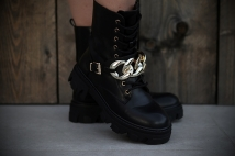 Boots black / neckless gold
