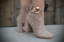 Boots taupe / heels neckless gold