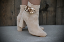 Boots creme / heels neckless gold