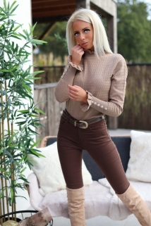 pull taupe / botton peirle
